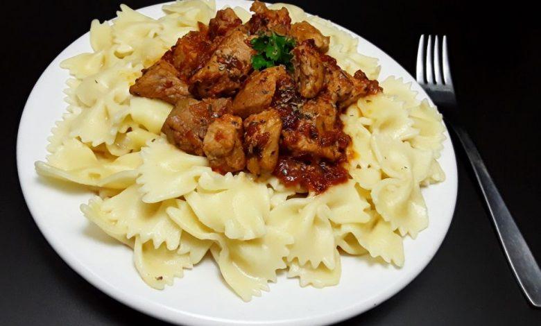 Photo of Farfale cu carne de porc si busuioc