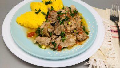 Photo of Tocana inabusita cu carne de porc si usturoi verde