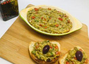 Patlican salatasi - salata de vinete cu ardei copti