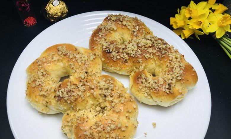Photo of Mucenici moldovenesti cu nuca si miere