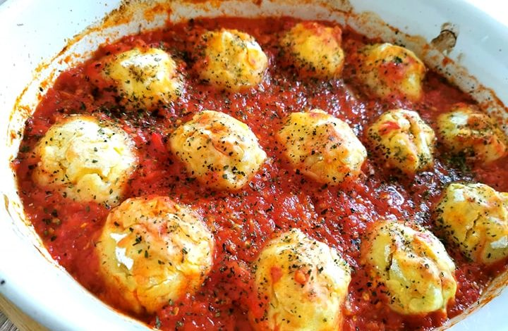 Photo of Chiftele din cartofi cu sos de rosii